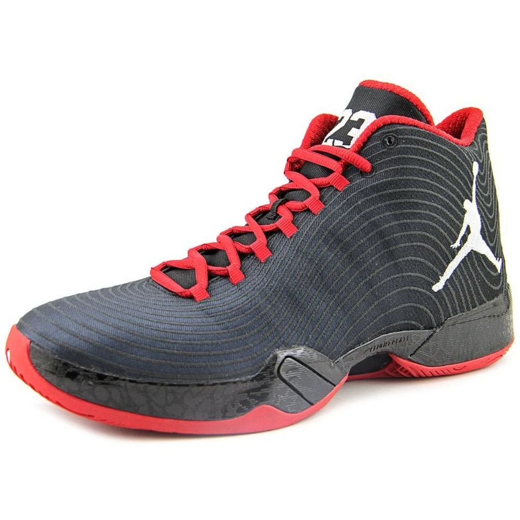Best Basketball Shoes For Big Men - Live For BBALL